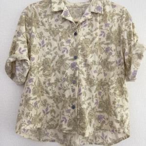 Mパターン研究所 オープンカラーシャツ。