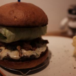休日のガッツリランチ。。。ICONハンバーガーにY.Y.G.ブリュワリー NEW TOKYO IPA