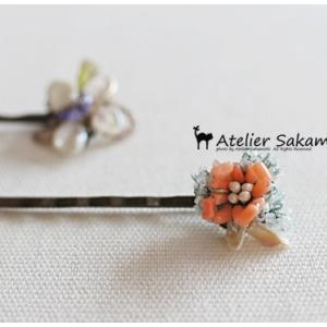 タティング 珊瑚の小花とかすみ草のヘアピン 完成。