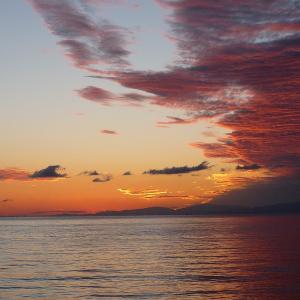 淡路島の朝焼け