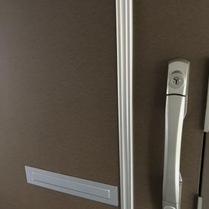 玄関ドア2軒新品交換完了!