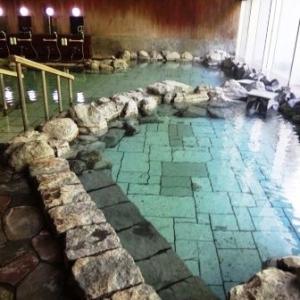 北海道 トムラウシ温泉「東大雪荘」