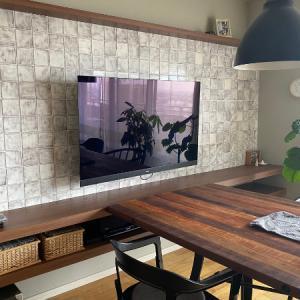 オリンピックの夏・壁掛けTVですっきりリビングに