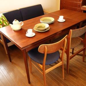 使い込んだ感が格好いい北欧ビンテージのダイニングテーブル