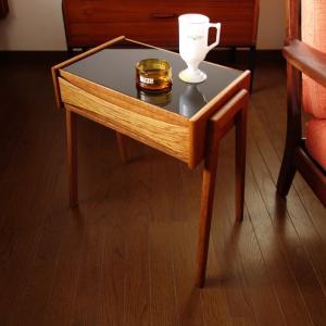 これはおしゃれ*黒ガラス天板の北欧ヴィンテージ・サイドテーブル