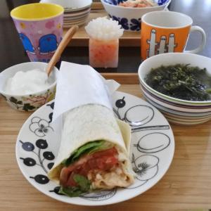 メキシカンサラダラップの朝ごはん♡と、いつもの♪