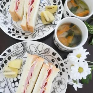ハムチーズサンドの朝ごはん♡