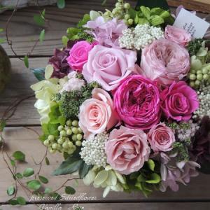 #オールドローズと紫陽花のアレンジメント