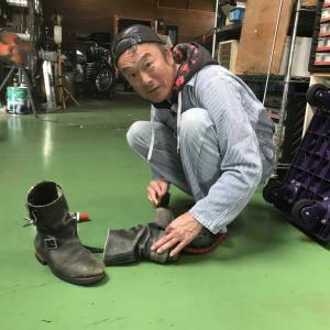 ボロボロのブーツが・・・・