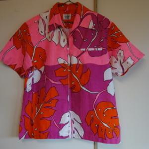 ジップアップ60年代のアロハシャツ!!