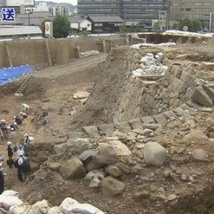 発掘調査で見つかった長崎奉行所西役所の石垣
