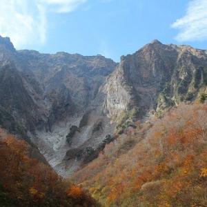 晩秋の一ノ倉沢へ