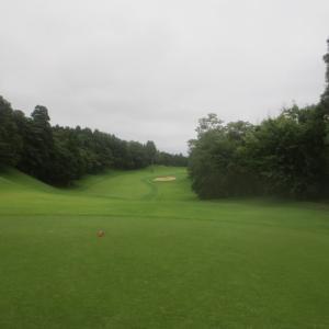 梅雨時の涼しいゴルフ