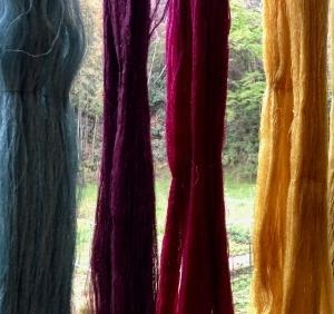 生糸の染色