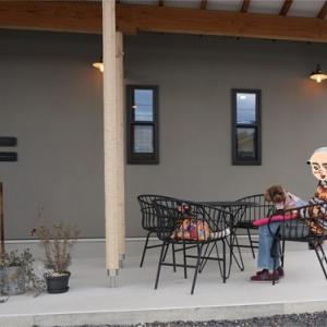道路沿いの素敵なカフェ♪