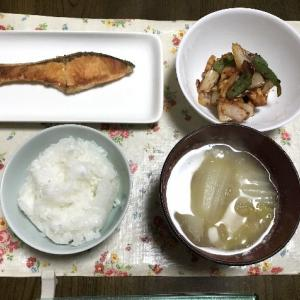 焼鮭と野菜のケチャップ炒め