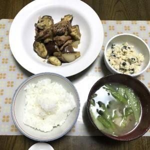 サバ味噌缶とナスの炒め物