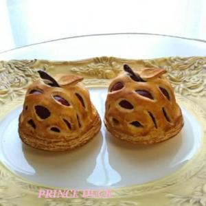 まるごとリンゴのアップルパイに焼き色が付きました