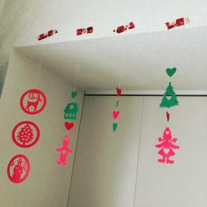 手作り☆北欧柄の切り絵モビール