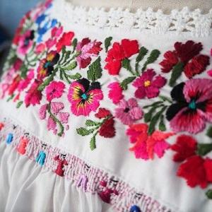 マリアさんの刺繍ブラウス&ワンピース販売。
