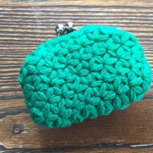 編み付ける口金を使った  リフ編みのがま口