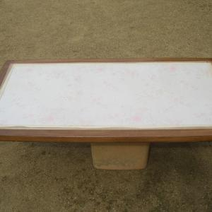 テーブルが完成し設置した。