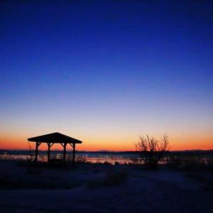 河北潟で見る夜明け
