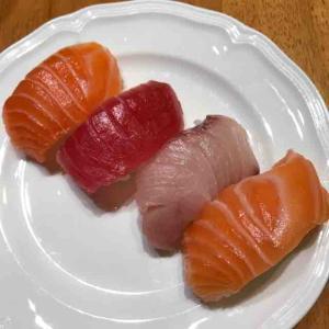 Tokyo Centralで久しぶりにお寿司を買って来た♪
