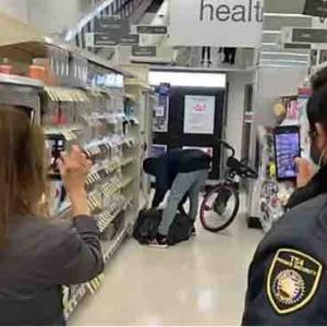 サンフランシスコのWalgreensで何度も堂々と盗む男!