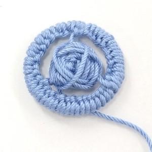 糸ボタン。