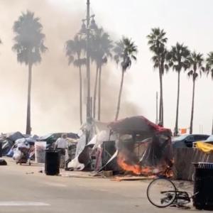 危機的と言われるベニスビーチのホームレス問題