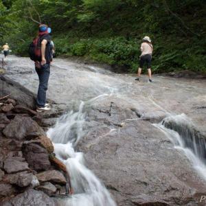 知床(8)カムイワッカ湯の滝2