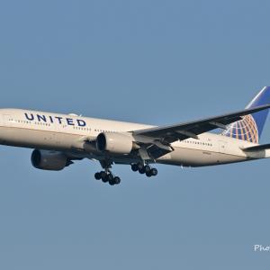 一番見ているユナイテッド航空のBoeing777-200ERが羽田空港にアプローチ、そして今では見れない沖縄首里城正殿