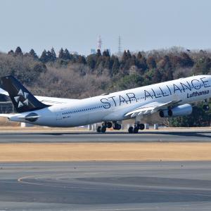 今では成田で見れないスターアライアンスデザインのルフトハンザのAirbus A340-30、そしてみなとみらい朝の赤レンガ倉庫にて