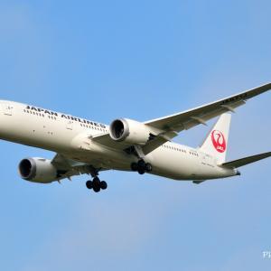 日本航空Boeing787-9が成田空港RWY16Lへ到着です。そして沖縄残波岬にて
