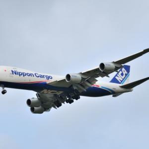 日本を代表する運び屋さんNCAのBoeing747-8Fが到着です。そして、誰もいないみなとみらい赤レンガ倉庫にて