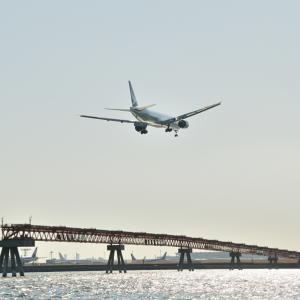 キャセイ航空のBoeing777-300ERが、羽田空港RWY22へファイナルアプローチ その2、そして横谷渓谷の名瀑乙女の滝