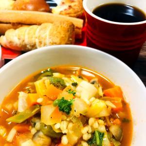 野菜いっぱいもち麦入りスープ!