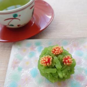 鶴屋吉信 季節の和菓子!