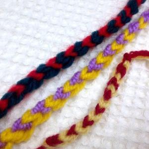 ☆ハートがいっぱい並んでいく編み編みコード☆