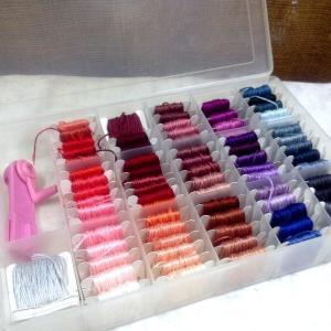 ☆いろいろな色・刺繍糸の箱☆