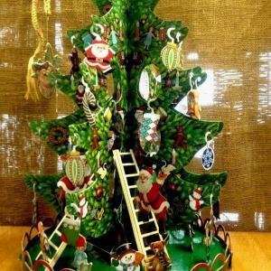 ☆組み立て式のペーパー製クリスマスツリー・大好き☆