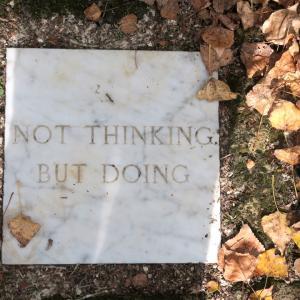 思うより動けと誘うか瞑想の森、Il Bosco della Ragnaia 3
