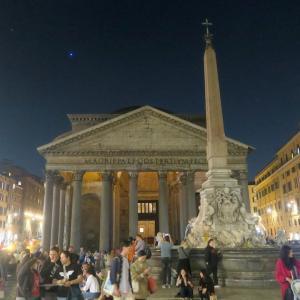 夜も美しパンテオン、ローマ