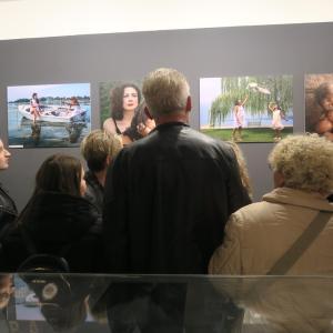 女性の視点・優しさ・美を地域に世界に、女性写真・詩の展覧会 イタリア トラジメーノ湖