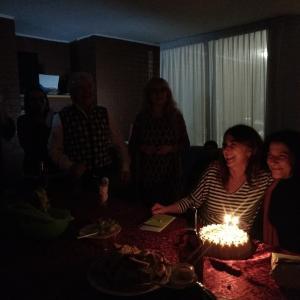 誕生日祝いの夕食そしてカラオケ