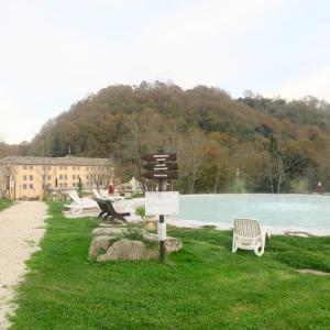 古代から名高い湯の宿で憩う夕、Terme di Stigliano