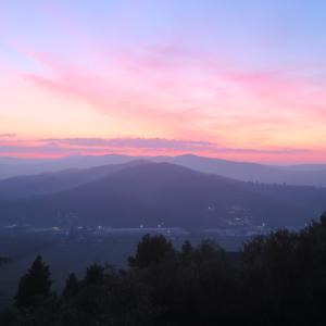 夕空の美しい村のプレゼーペ、コルチャーノ