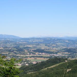 青い山並み 新規ゼロ4日目とどうなるか6月3日、イタリア 新型コロナウイルス