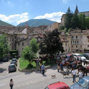 パドヴァの聖アントニオ 映画とスカンノ村祭り、アブルッツォ